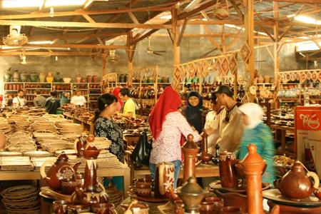 Banyumulek workshop in Lombok.