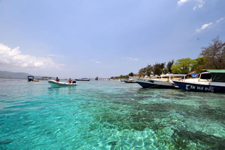 The crystal clear water of Gili Meno