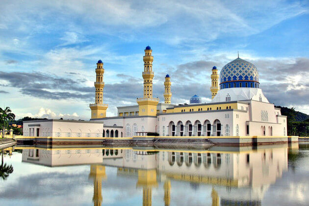 Kota-Kinabalu-City-Mosque-shore-excursions