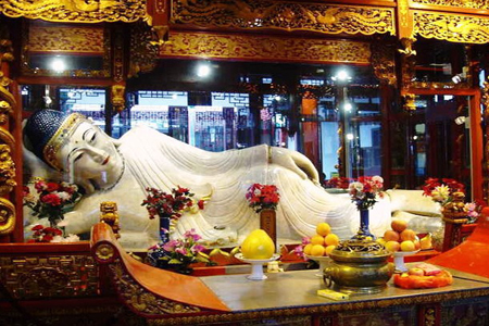 Shanghai City Sightseeing Tour with Jade Buddha Temple