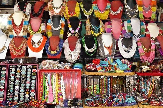 Souvenir shops in Hoi An