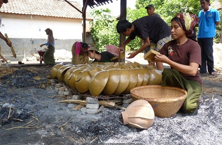 Terracotta makers at Banyumulek, Lombok