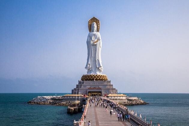 Guanyin-Statue-of-Hainan