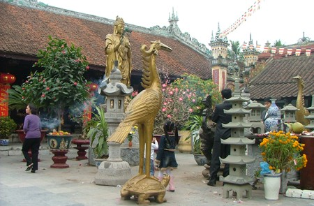 Believers at Ba Hang Pagoda, Hai Phong, Vietnam