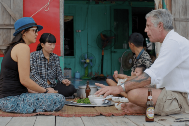 Eat with locals in ba hang floating village
