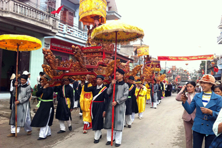 Traditional festival in Quang Yen