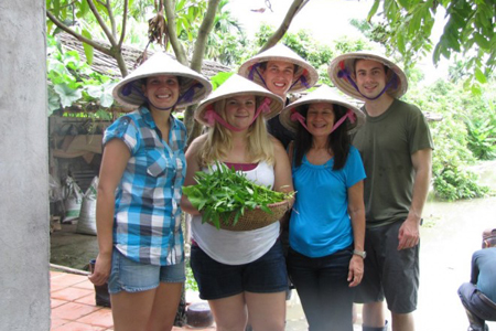 Visit local house in Yen Duc Village