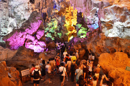 Visitors at Thien Cung Cave