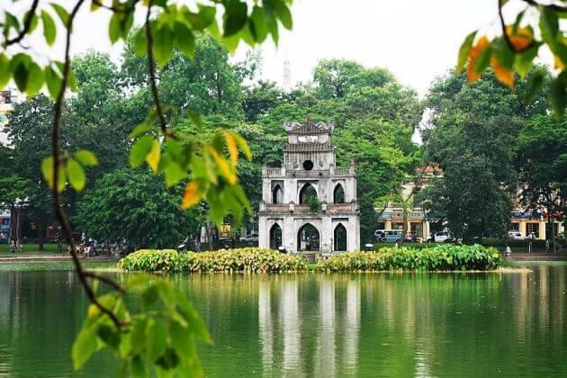 Hoan-Kiem-Lake-Hanoi-Shore-Excursions