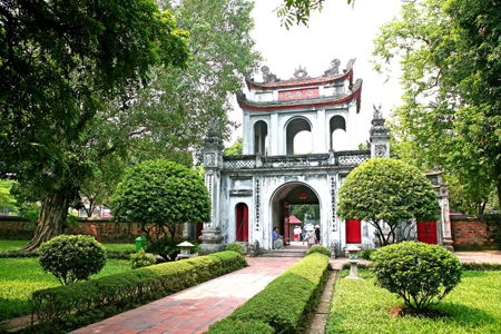 The main entrance of Temple of Literature