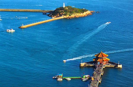 Panoramic view of Zhanqiao Pier and little Qingdao Island