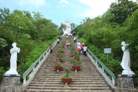 The way up to visit Jesus Statue