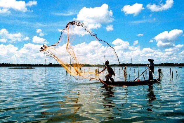 Vietnamese-fishermen-Hoi-An-eco-shore-excursions