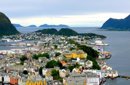Alesund Shore Excursion City Sightseeing Hop-On Hop-Off Tour