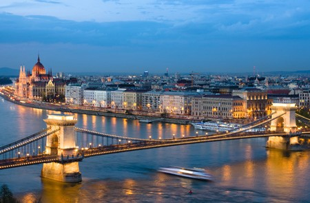 Budapest Shared Transfer Hotels to Budapest Pier