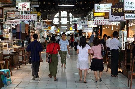 Bustling and hustling atmosphere inside Market of Bogyoke (Scotts)