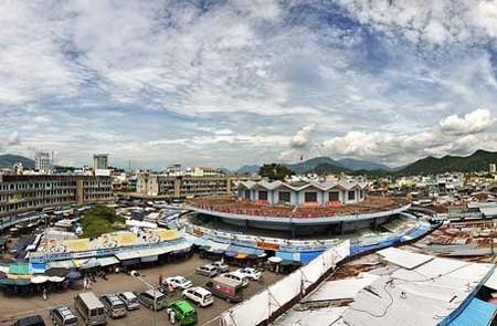 Panoramic view of Dam Market