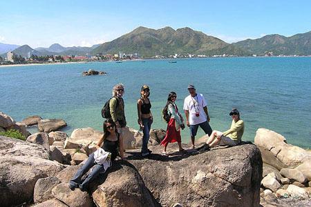 Tourists visit Hon Chong Promontory, Nha Trang