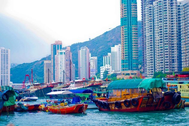 Hong Kong Sightseeing - Aberdeen Fishing Village