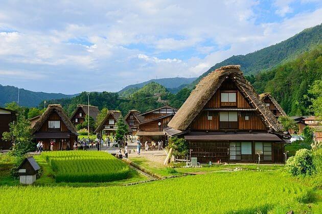From Gokayama to Kanazawa