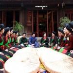 Quan-Ho-folk-song-singers-in-Yen-Duc-Village