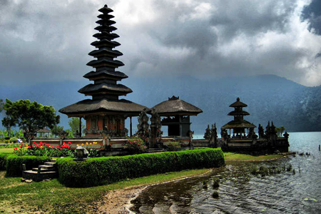 Ubud Temple in a cloudy day