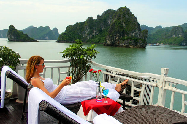 private-Halong-Sails