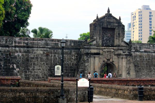 Glimpse of Manila