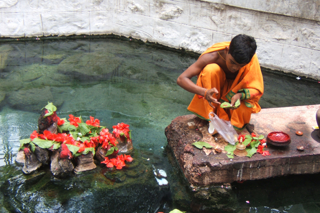 Relax you body in the mineral warm water of Puning Hot Spring