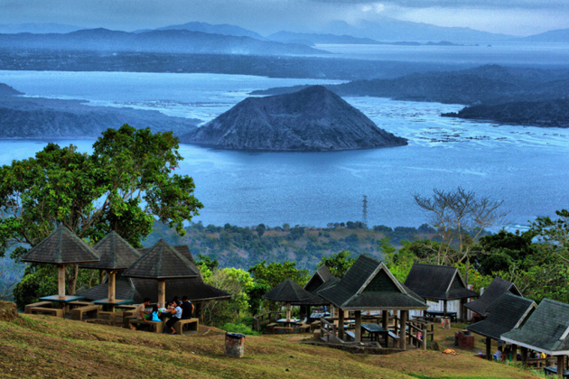 Panoramic view of Volcanic Taal lake