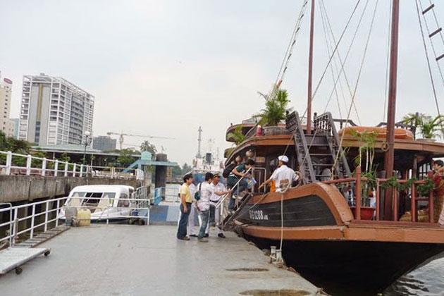 Bach Dang Pier
