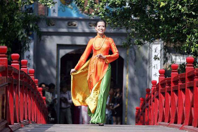 Traditional Ao Dai Vietnam