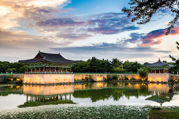 Gyeongju-Donggung-Palace-and-Wolji-Pond1