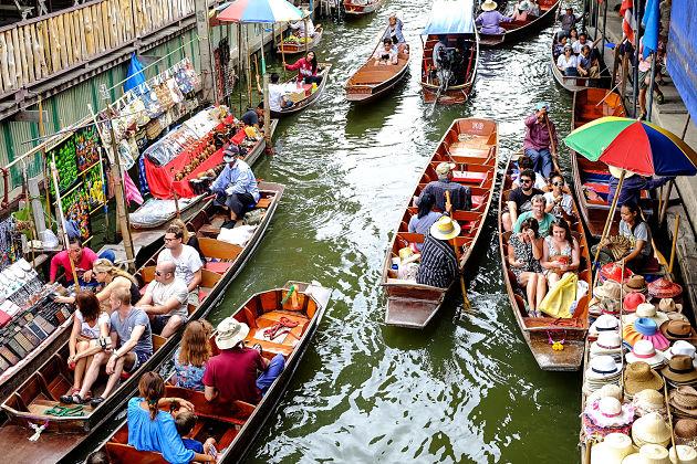 Bangkok Tour to Floating Market & Erawan Museum