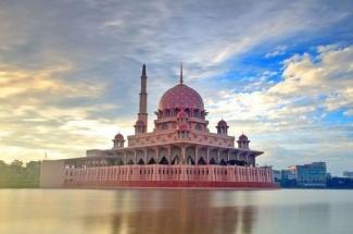 Explore Putrajaya – the World's Best Garden City