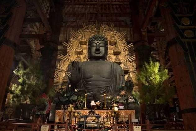 Buddha Statue in Todaiji Temple