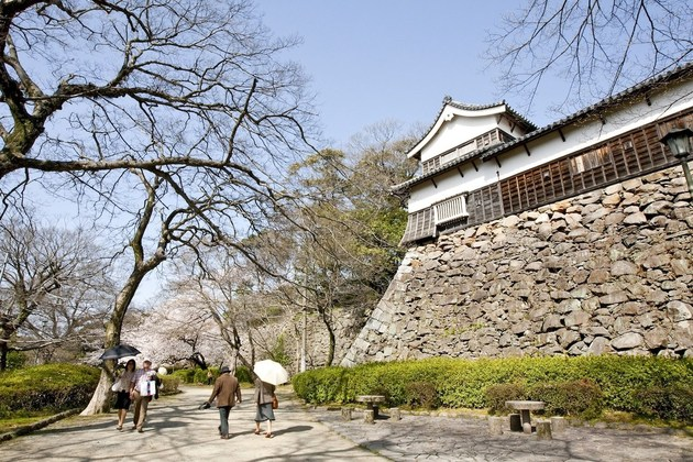 Fukuoka Castle surround