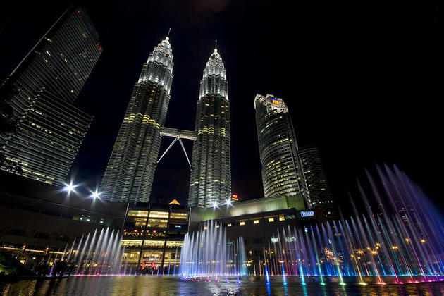 Petronas Twin Towers at night