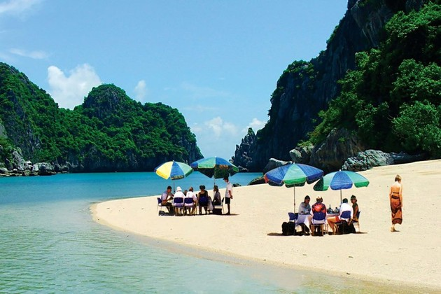 Ha Long beaches