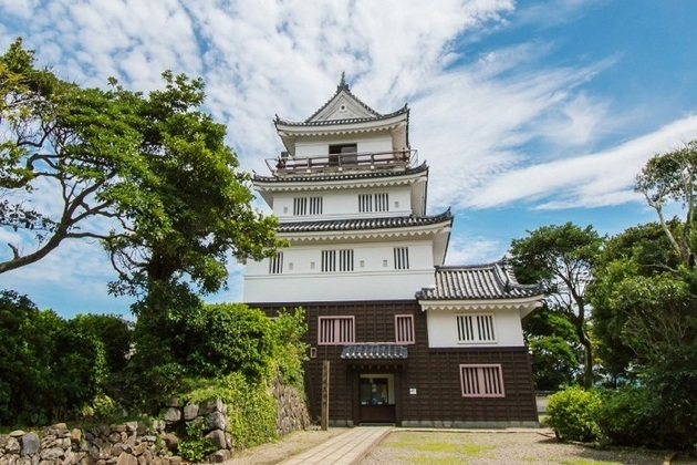 Hirado Castle in Sasebo shore excursions