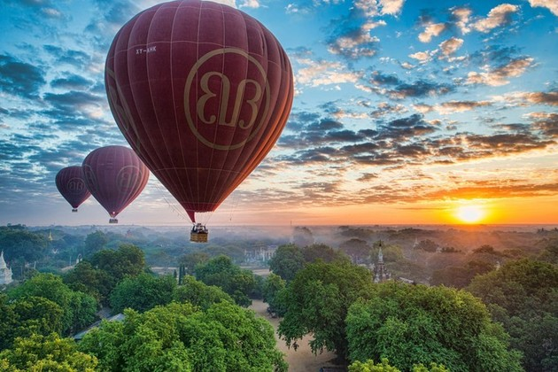 Hot Air baloon in Myanmar shore excursions