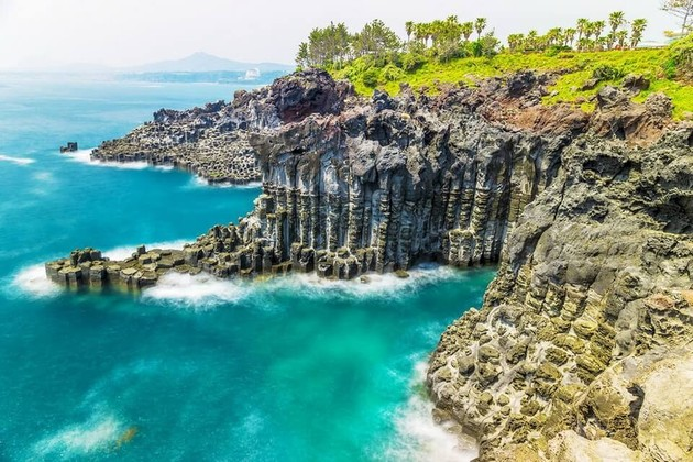 Jusangjeollidae - Seaside Cliff in Jeju shore excursions