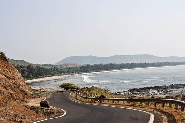mumbai-to-goa-coastline