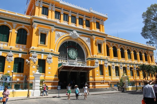 Saigon Old Post Office in Ho Chi Minh day tours