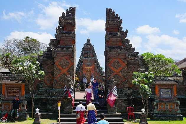 Batuan Temple in Bali day tours from cruise ship