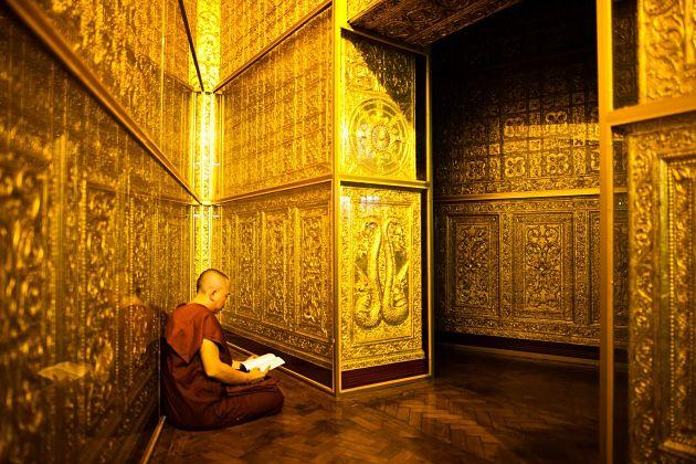 Botataung pagoda - Yangon shore excursions