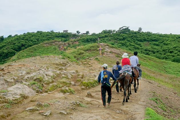 Horse-riding the Taal Volcano - Philippines shore excursions