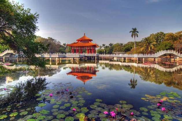Lotus Pond Scenic Zone - Kaohsiung shore excursions