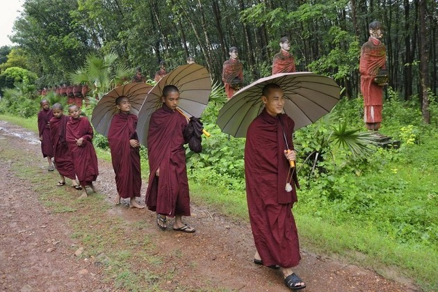Myanmar shore excursions in rainy season
