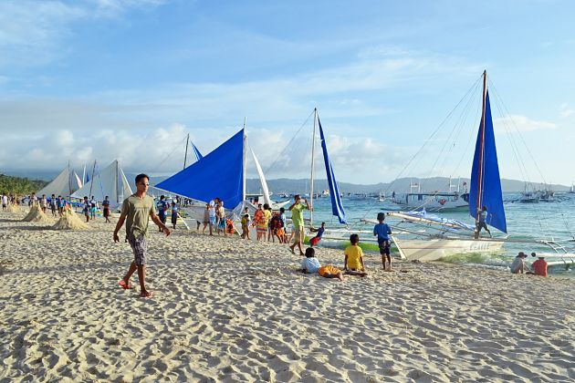 Paraw sailing - Philippines shore excursions